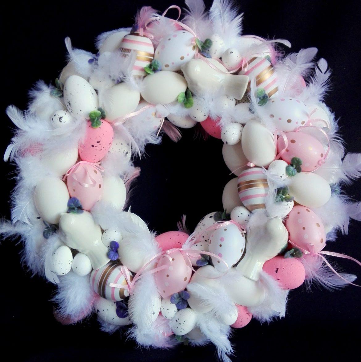 Różowy wianek Wielkanocny