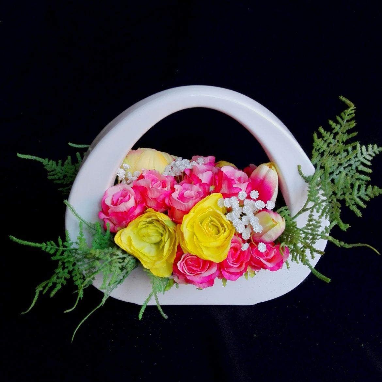 wiosenny wystroj wnętrza sztuczne kwiaty
