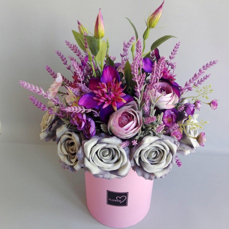 flower box z lawendą