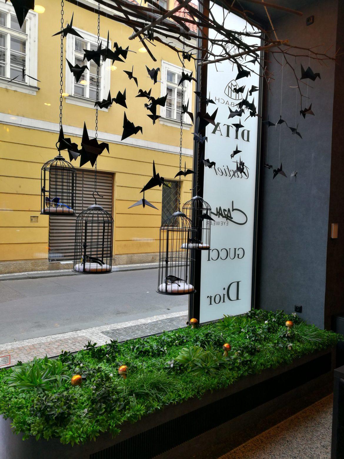 Ściana ze sztucznych roślin