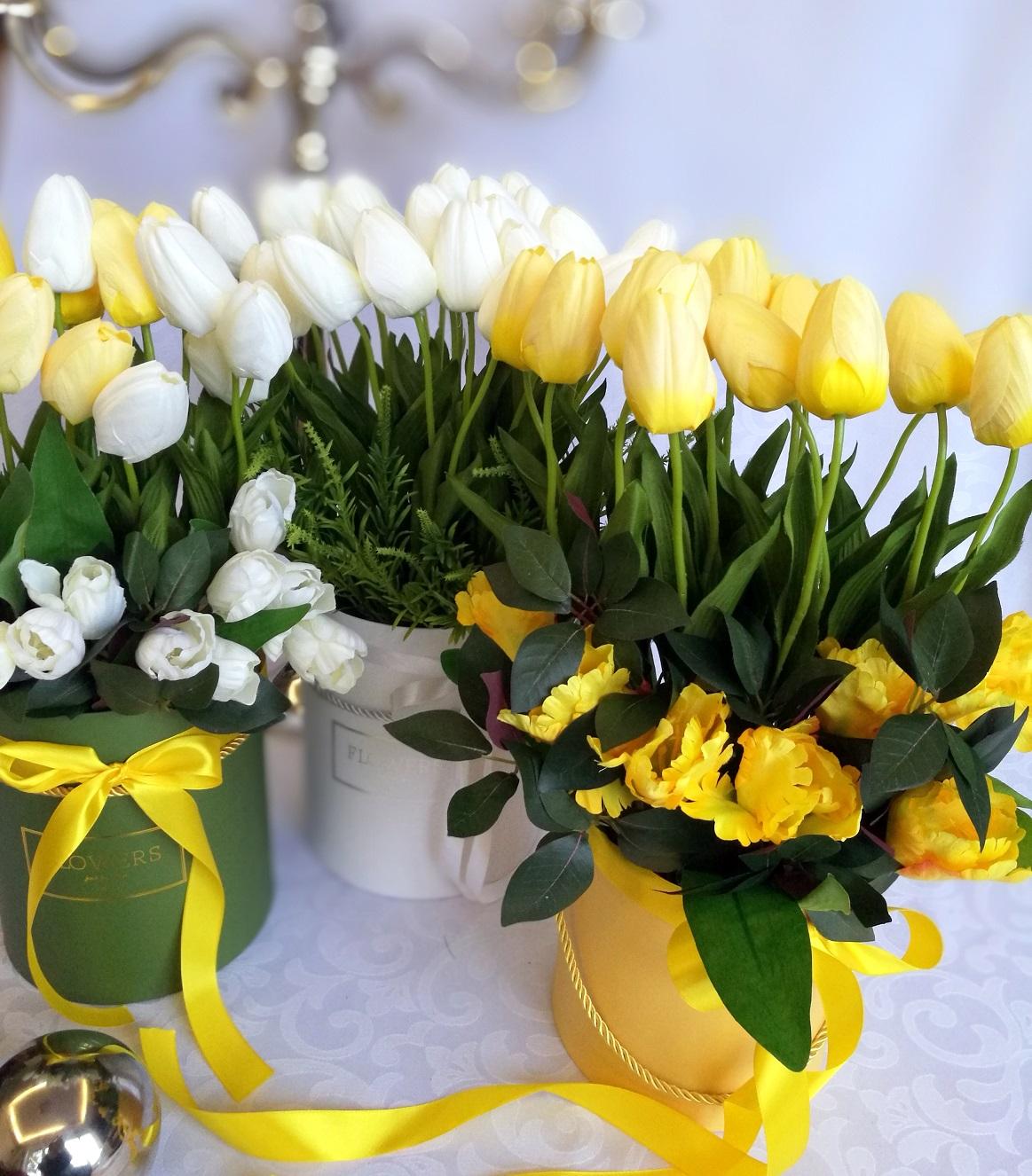 Żółte tulipany w , Biało-żółte pudełko z tulipanami nr 222