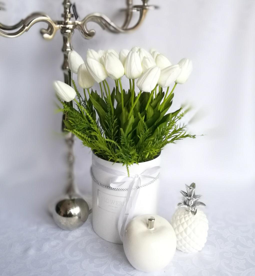 Białe tulipany w pudełku nr 220, Białe tulipany w białym pudełku nr.174