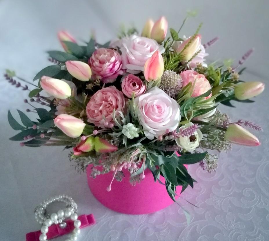 Wiosenne kwiaty w pudełku nr. 190