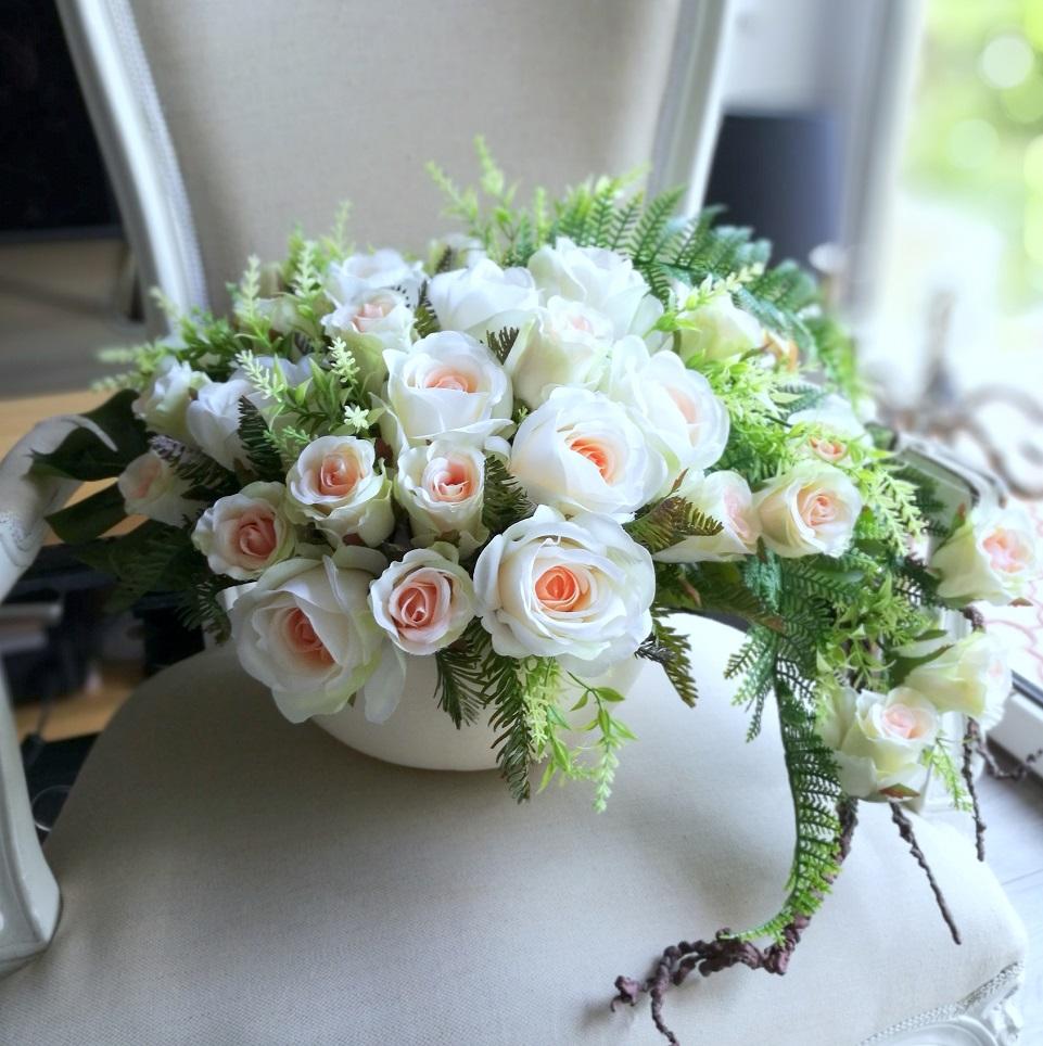 Dekoracja kwiatowa delikatne róże nr 285