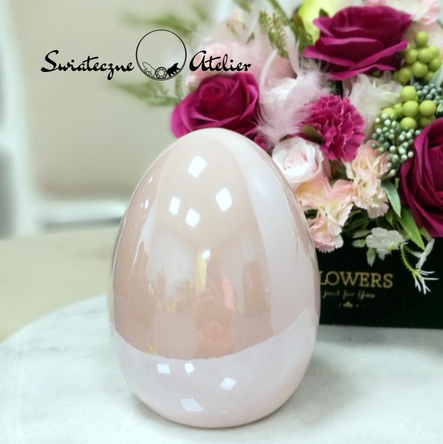 Porcelanowa różowa pisanka