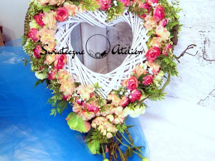 Kompozycje kwiatowe na ślub. Jakie wybrać?