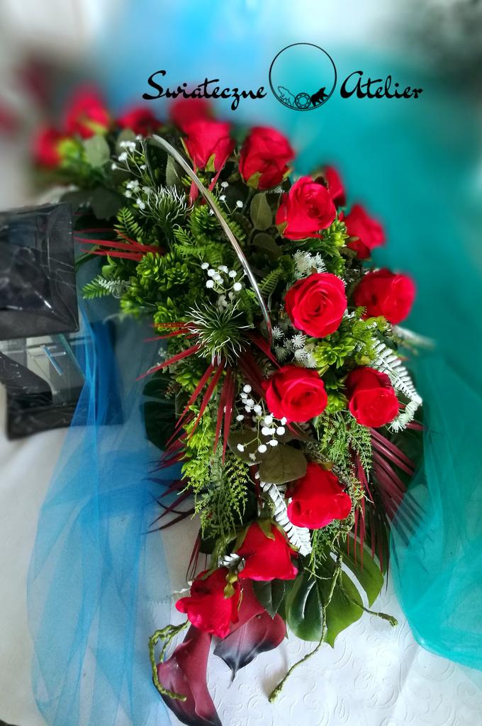 Elegancki stroik nagrobny w czerwieni nr 488