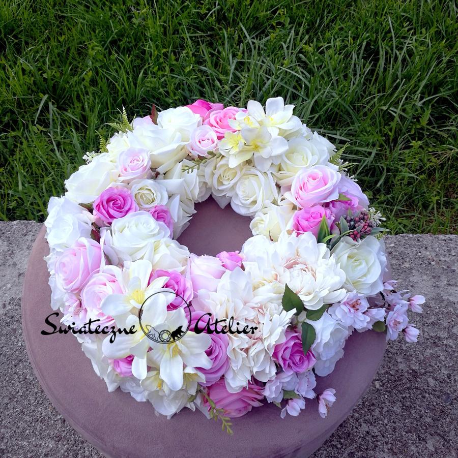 Wianek kwiatowy różowo biały nr 176